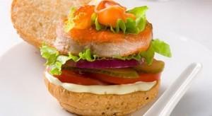 Бутерброды с семгой на булочках