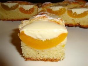 Оригинальный пирог с персиками икремом