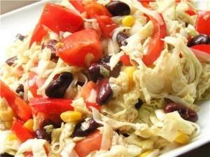 Овощной салат с рисовой лапшой