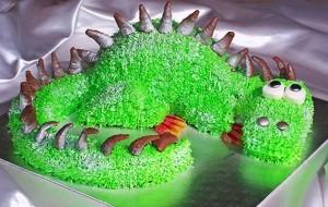 Праздничный торт «Дракон» с кремом из белого шоколада