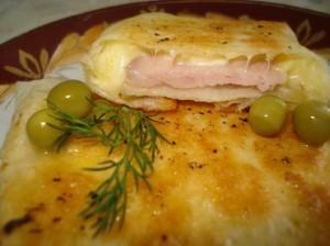 Жареный лаваш с ветчиной и сыром