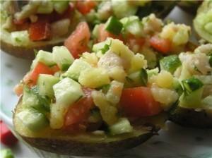 Картофельные лодочки с селедочным салатом