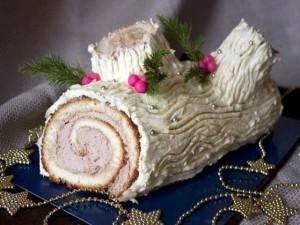 Торт домашний «Рождественское полено» с белым шоколадом и сливочным кремом