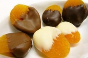 домашние конфеты - курага в шоколаде